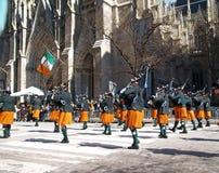 La più grande parata di giorno della st Patrick del mondo a New York City Immagine Stock