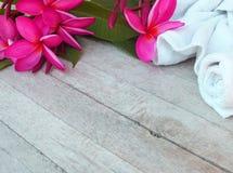 La pi?ce de massage de station thermale accueille des touristes photographie stock libre de droits