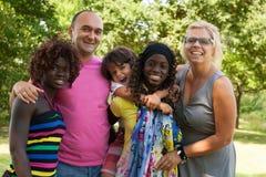 La più grande famiglia muticultural Immagine Stock Libera da Diritti