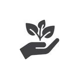 La pianta, il germoglio in un vettore dell'icona della mano, ha riempito il segno piano, pittogramma solido isolato su bianco Immagini Stock Libere da Diritti