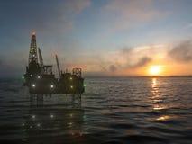La piattaforma di perforazione sul mare Fotografia Stock Libera da Diritti
