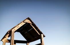 La piccola costruzione di legno d'annata Immagini Stock