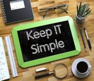 La piccola lavagna con tiene l'IT semplice 3d Fotografia Stock Libera da Diritti