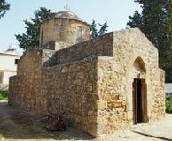 La piccola vecchia chiesa di St Anthony in Pafo, Cipro fotografie stock
