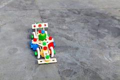 La piccola vettura da corsa dal lego del costruttore Fotografie Stock Libere da Diritti