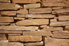 La piedra arenisca oscila la pared de la forma Fotos de archivo libres de regalías