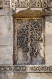 La piedra exquisitamente hermosa talló adornos en los alminares del Foto de archivo libre de regalías