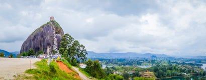 La Piedra, formação de rocha de Penol em Guatape Foto de Stock