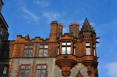 La piedra vieja bloquea el edificio en Edimburgo. Fotos de archivo libres de regalías