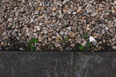 la piedra y la tierra foto de archivo libre de regalías