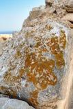 La pierre dans le mur de la forteresse Santa Barbara, couvert de lichen Images libres de droits