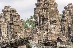 La pierre de sourire fait face du temple de Bayon à Angkor Thom au Cambodge photo libre de droits