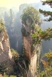 La pierre naturelle est placée un beau matin, Zhangjiajie photo stock