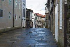 La pietra pavimenta bagnato di pioggia Fotografie Stock