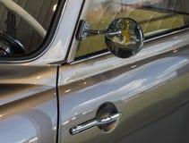 La pieza de un coche viejo en estilo retro Imagenes de archivo