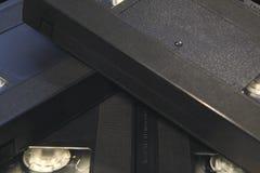 La pila de cintas de video negras de la cinta de VHS se cierra para arriba Fotos de archivo libres de regalías