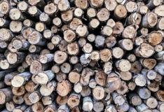 La pila de madera registra el fondo imágenes de archivo libres de regalías