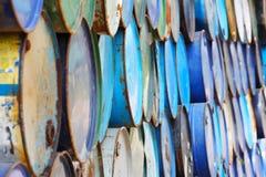 La pila di barili da olio Fotografie Stock