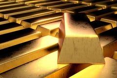 La pila di barre di oro 3d rende nella fine ad alto contrasto della stanza scura sul colpo Immagini Stock