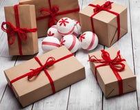 La pile de handcraft des boîte-cadeau photo stock