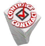 La pile de pile d'écritures du contrat 3d Word documente les dossiers S de fonctionnaire Photographie stock libre de droits