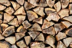 La pile ou la pile de bois naturel du feu note le fond de texture photos libres de droits