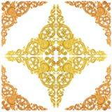 La pintura de madera del oro decorativa de la flor talló el marco del modelo encendido Fotos de archivo