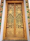 La pintura de oro en el templo en Tailandia Foto de archivo libre de regalías