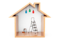 La pintura puede con el cepillo y la escalera del rodillo en la casa de madera Outli Imagenes de archivo