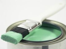 La pintura puede y cepillo Imágenes de archivo libres de regalías
