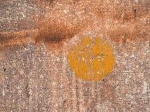 La pintura vieja en el metal del piso corroyó textura Foto de archivo libre de regalías