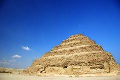 La pirámide del paso de progresión de Djoser en Egipto Imagenes de archivo