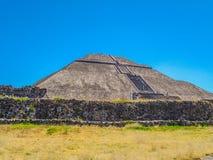La piramide del sole immagini stock