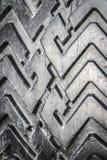 La pisada de un neumático de coche imagenes de archivo