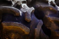 La pisada en un tractor rueda Imagen de archivo