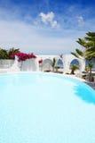 La piscina cerca de la playa Imágenes de archivo libres de regalías