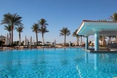 La piscina en el hotel Fotografía de archivo