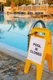 La piscina es cerrada Imagen de archivo libre de regalías