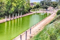 La piscine antique a appelé Canopus en villa Adriana, Tivoli photographie stock libre de droits