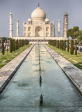 La piscine de Taj Mahal With The Reflecting Photographie stock libre de droits