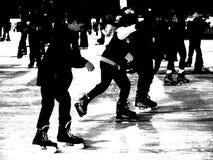 La pista di pattinaggio a Bryant Park 36 Immagini Stock Libere da Diritti
