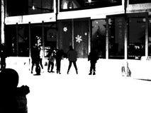 La pista di pattinaggio a Bryant Park 38 Fotografia Stock