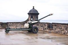 La pistola di un in punto al castello di Edimburgo Immagine Stock