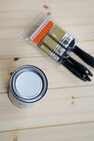 La pittura possono ed i pennelli Fotografia Stock Libera da Diritti