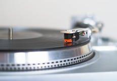 La placa giratoria está jugando el disco Imágenes de archivo libres de regalías
