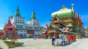 La place centrale d'Izmailovsky Kremlin photos stock