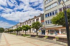La place de libération dans la ville de Michalovce, Slovaquie images stock