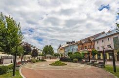 La place de libération dans la ville de Michalovce, Slovaquie image stock