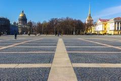 La place de palais dans le St Petersbourg Photographie stock