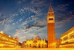 La place de St Mark, la canalisation à Venise, Italie images libres de droits